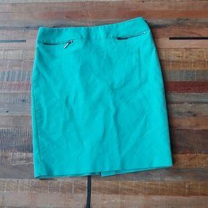 Green size 6 Calvin Klein pencil skirt